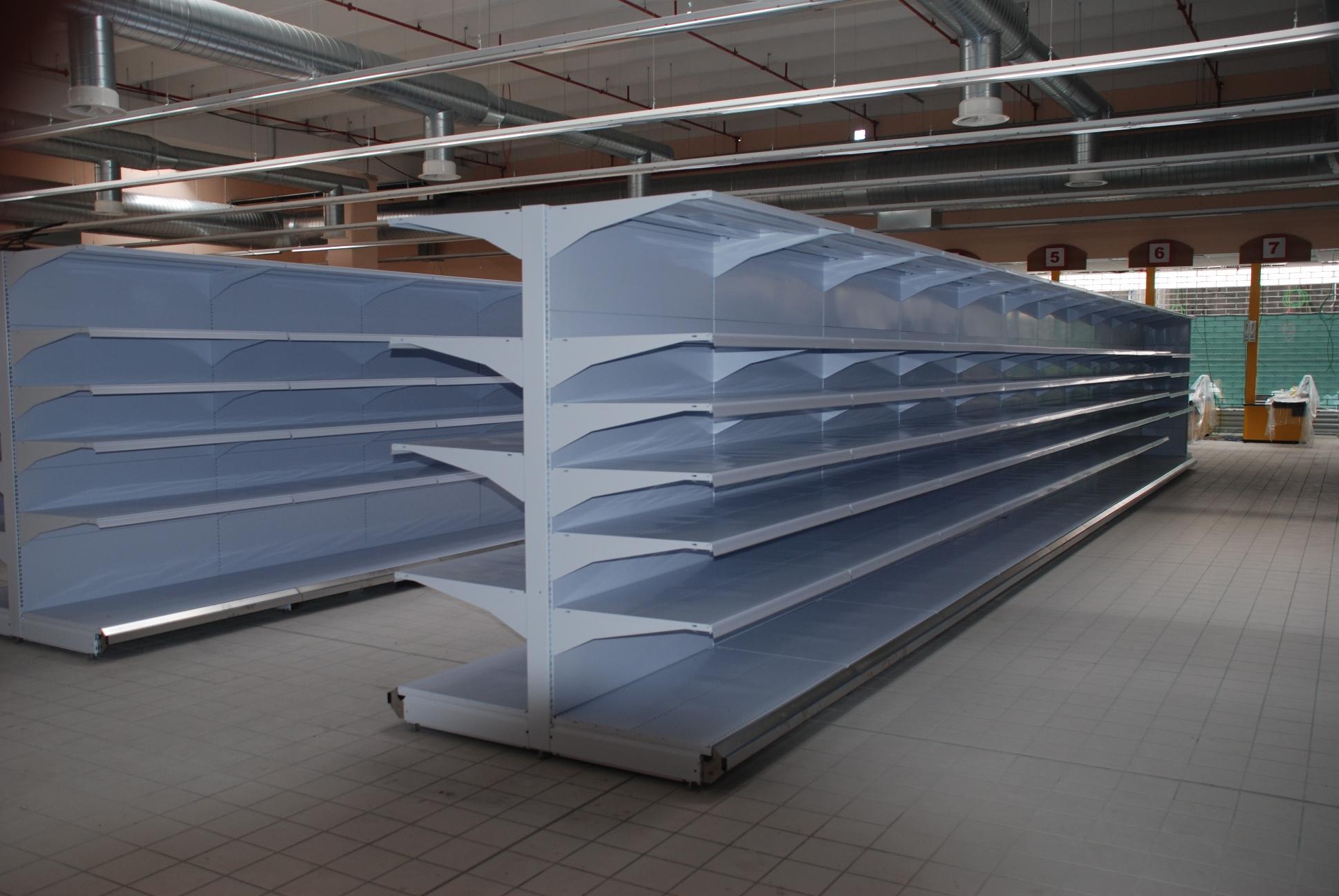 Scaffalature Usate Per Negozi.Gondole Murali Per Negozio Sga Scaffalature E Soluzioni Logistiche