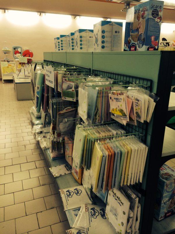 Scaffali e scaffalature a gondola per negozio - Shop metal shelves S.G.A. Srl