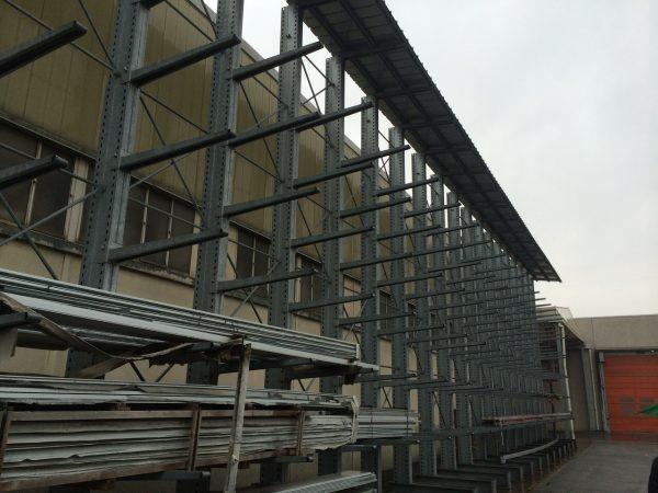 Scaffale cantilever usato monofronte o bifronte - SGA Shopmetalshelves